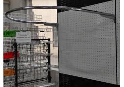 Примерочная пристенная, закругленная 110х90см. в реечную систему