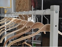 Напольные вешала-стойки для одежды